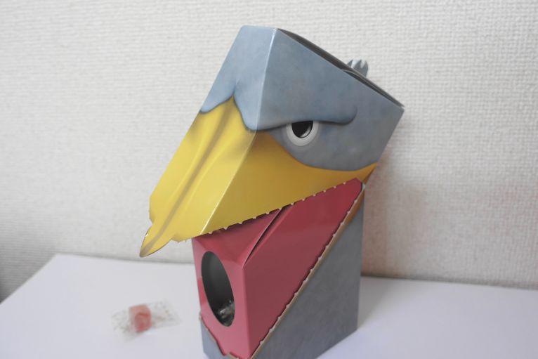 掛川花鳥園のおみやげ「ハシビロコウ」の口を開けた様子