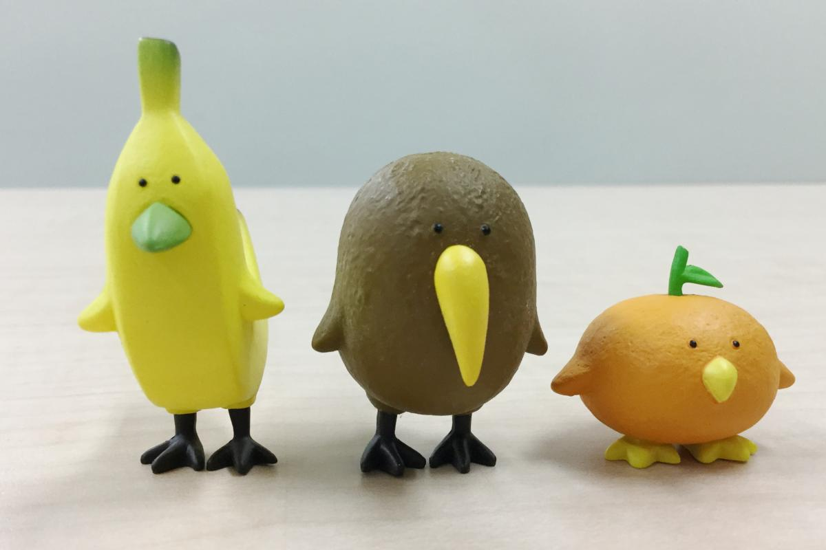 初代トリピカルズのバナナ、キウイ、オレンジ(パンダの穴がフルーツ×鳥でデザイン)