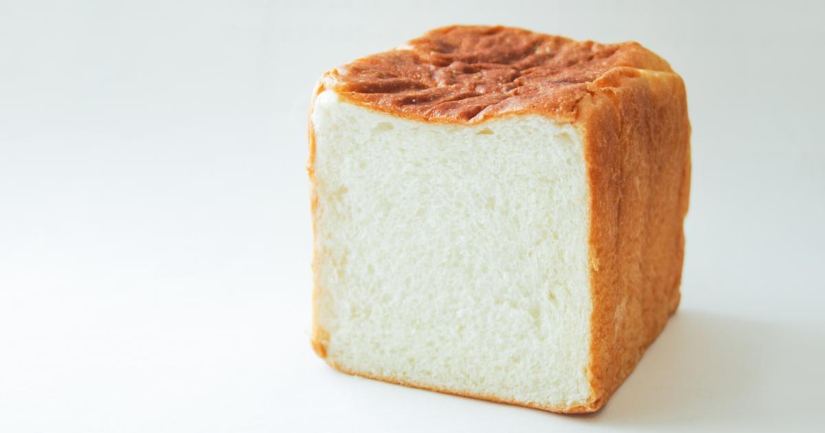 パンやごはんはインコやオウムには与えないほうがよい食材!そのうでカビが生える恐れも